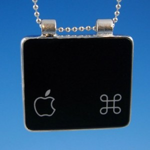 Mac Command apple halsband